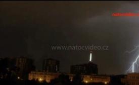 FASCINUJÍCÍ PODÍVANÁ: Takhle vypadá jarní bouřka nad Prahou
