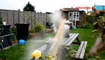 PIVNÍ DEŠTÍK aneb výbuch láhve s domácím mokem