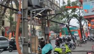 VIDEO DNE:Kolik  v tom je voltů??? Ve Vietmanu se toho prostě nebojí...