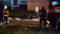 MOTORKÁŘE ODVEZL VRTULNÍK po srážce s osobním vozem u Řepova!