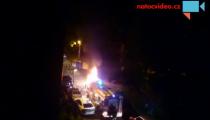 VE STRAŠNICÍCH V NOCI HOŘEL VŮZ! Na místě zasahovali hasiči i policisté!