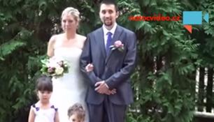 VIDEO TÝDNE:Na svatební foto čekali dlouhé minuty,mohl za to prst v nosíku!
