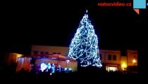 Česko oslavilo příchod adventu. Na mnoha místech rozsvítilo vánoční stromy