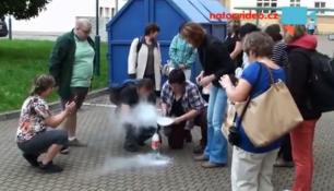 VIDEO DNE: Když učitelé fyziky převedou učebnice do praxe! KRYJTE SE!
